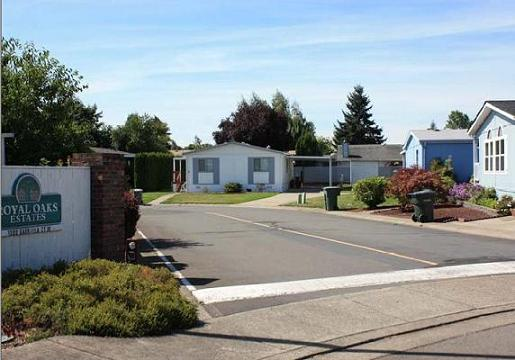 Royal Oaks Estates Is A Modern 43 Space All Double Wide Senior Manufactured Housing Community Located In An Attractive Residential Neighborhood Northeast